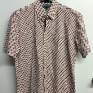 New with tags men's Tommy Hilfiger SS Button shirt